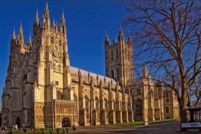 1542825731_canterbury-cathedral-wyrdlight.jpg